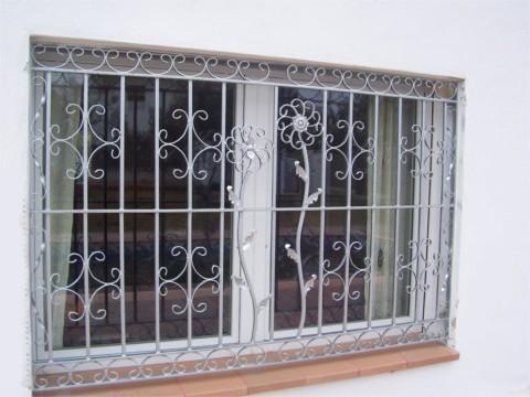 Neu Deutsche Schlosserei, Carrajeria, Puertas, Rejas, Ventanas  XU22